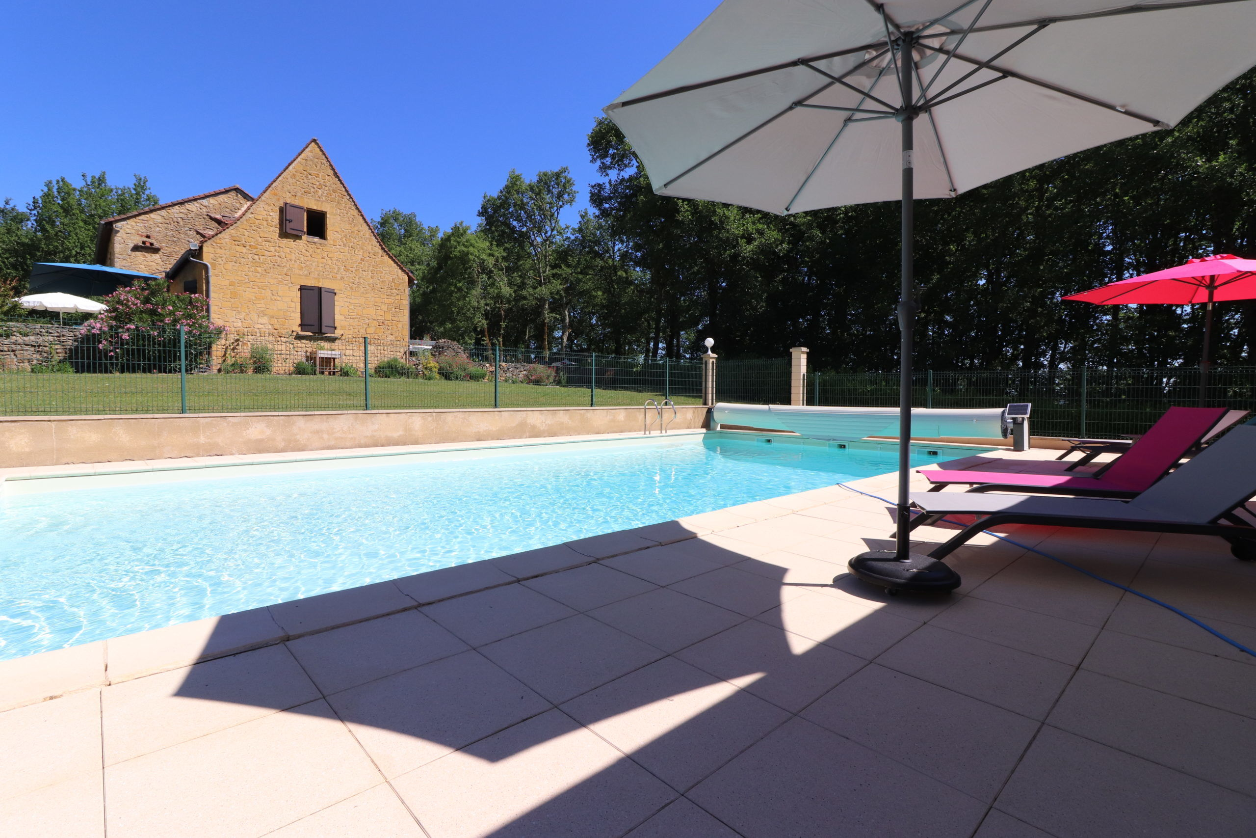 chambre-dhote-piscine-transat